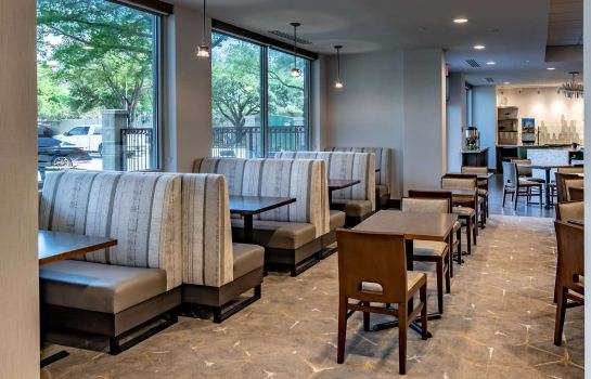 Restaurant DoubleTree by Hilton Dallas - Farmers Branch