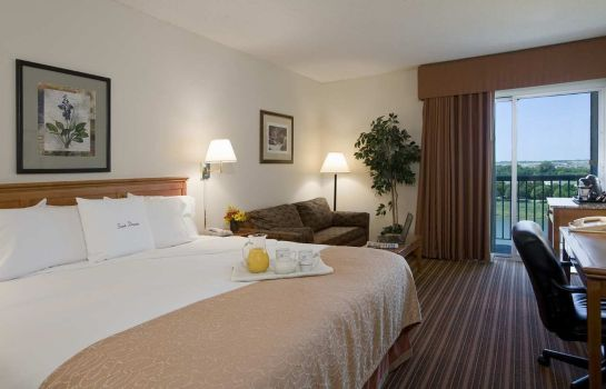 Zimmer DoubleTree by Hilton Dallas-Farmers Branch TX