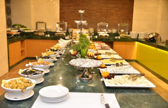Breakfast buffet Green Park Taksim