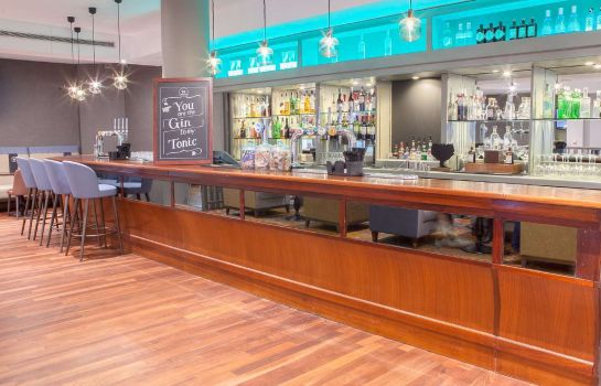 Bar del hotel DoubleTree by Hilton Swindon