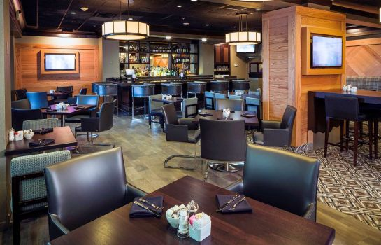 Restaurant DoubleTree by Hilton Hotel Wilmington