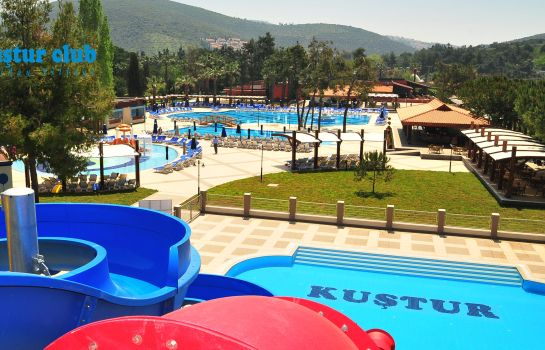Vista all'interno Kustur Holiday Village