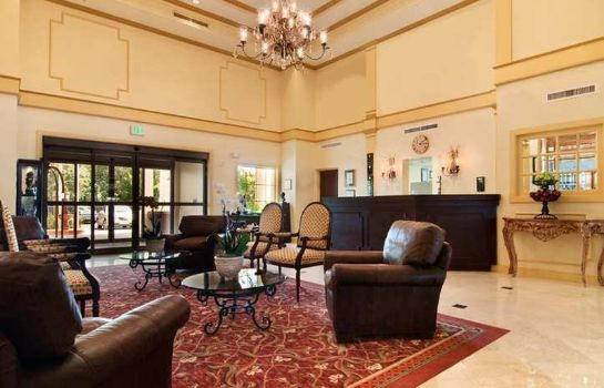 Hotelhalle DoubleTree Suites by Hilton Naples