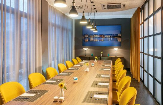 Hotel Nh Hamburg Altona Great Prices At Hotel Info