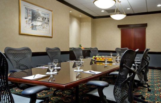 Conference room DoubleTree Suites by Hilton - Conference Center Chicago - Do