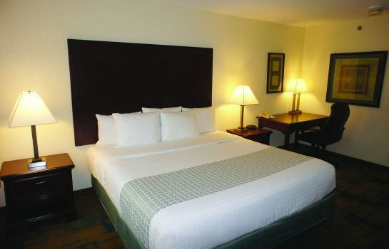 Suite La Quinta Inn and Suites Boston Somerville