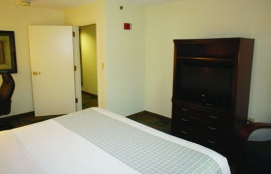 Suite La Quinta Inn Ste Boston Somerville