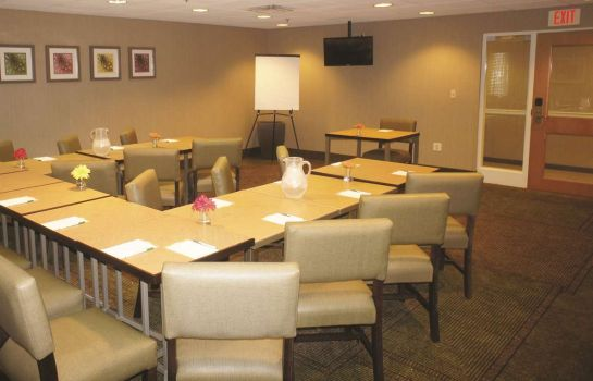 Conference room La Quinta Inn Ste Boston Somerville