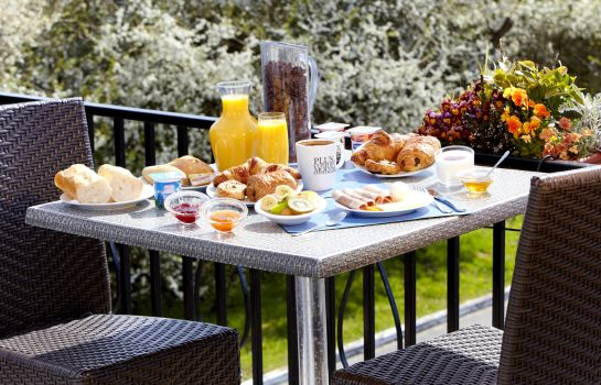 Breakfast buffet Kyriad LE TOUQUET - Etaples