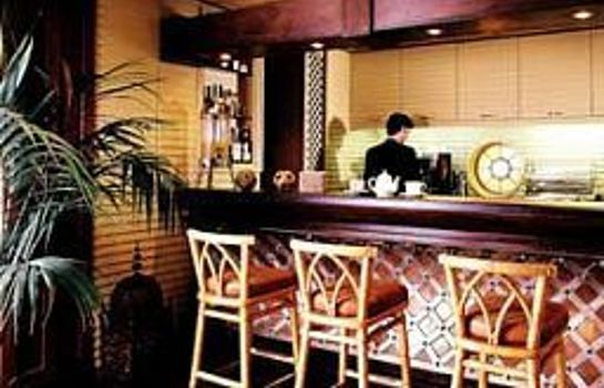 Hotel-Bar Colony