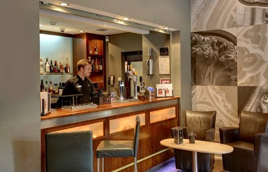 Bar del hotel Best Western Premier Collection Dean Court Hotel