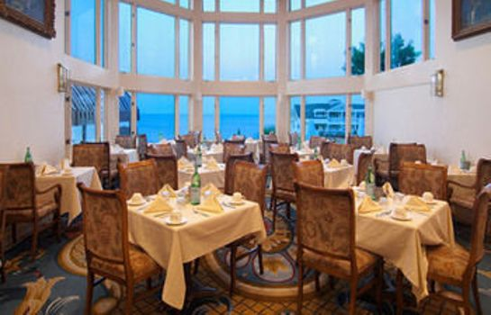 Restaurant Water's Edge Resort & Spa