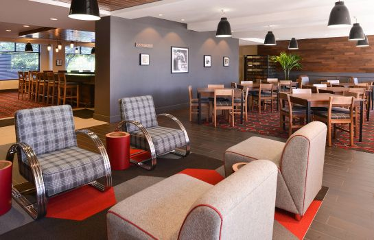 Restaurant Four Points by Sheraton Detroit Metro Airport