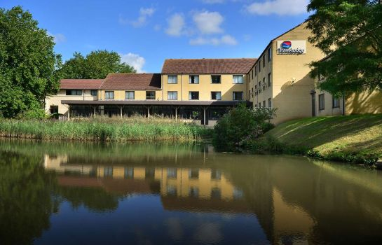Exterior view TRAVELODGE BATH WATERSIDE
