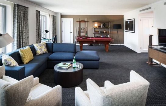 Suite The Logan Philadelphia Curio Collection by Hilton