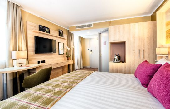 Double room (standard) Leonardo Royal