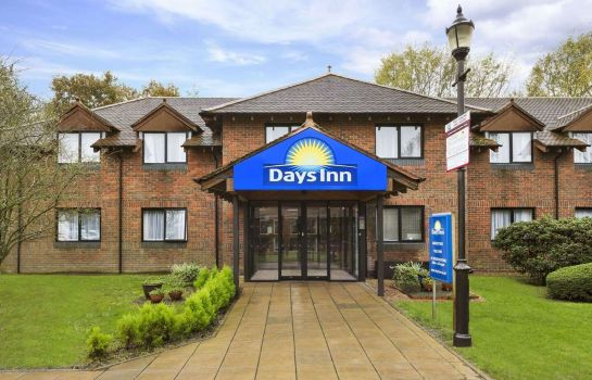 Exterior view Days Inn Maidstone
