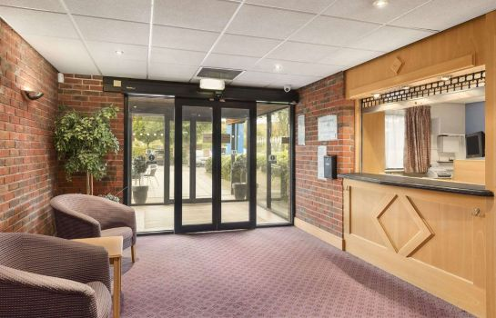 Lobby Days Inn Chesterfield Tibshelf