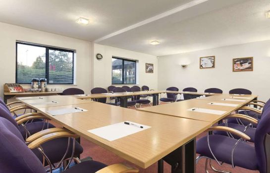 Conference room Days Inn Chesterfield Tibshelf