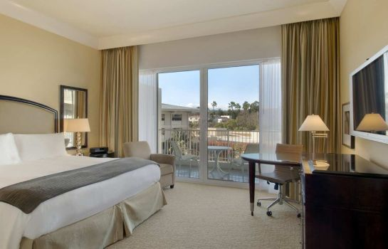 Room The Beverly Hilton