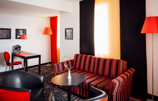 Suite Vienna House Easy Airport Bucharest