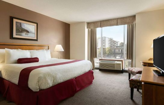 Suite DAYS INN - NIAGARA FALLS CLIFT