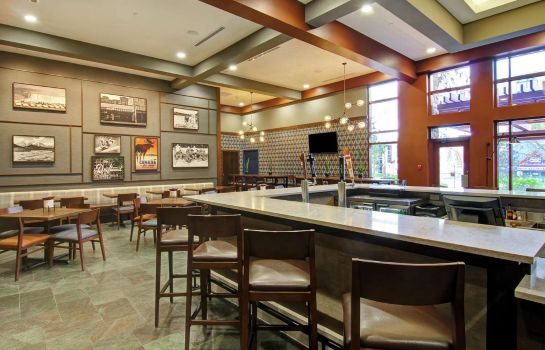 Hotelbar DoubleTree Fallsview Resort - Spa by Hilton - Niagara Falls