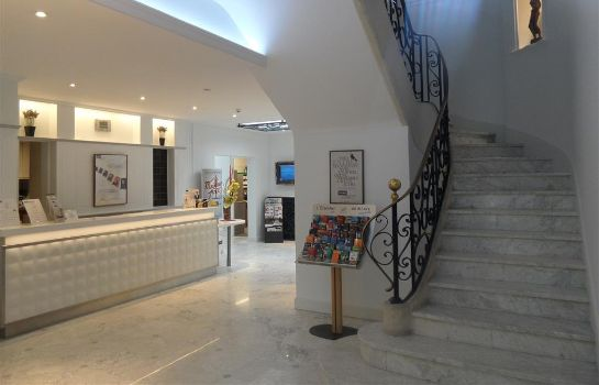 Hall de l'hôtel Kyriad Tours Centre