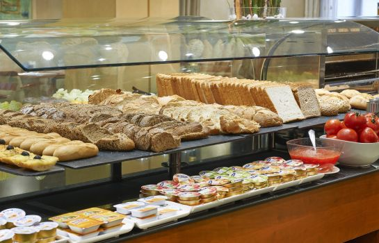 Breakfast buffet NH Barcelona Centro