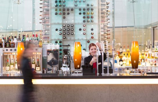 Hotel-Bar RADISSON BLU LONDON STANSTED