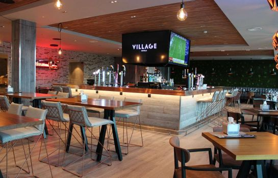 Hotelbar Village Wirral