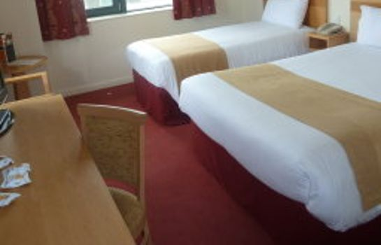 Triple room Oxford Spires Hotel