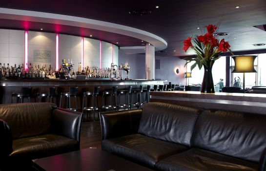 Hotel bar Crowne Plaza MARLOW