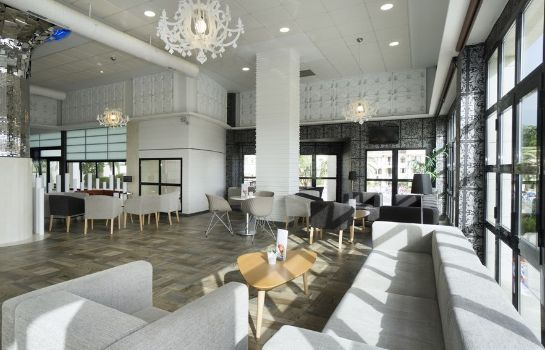 Lobby Hotel Puente Real