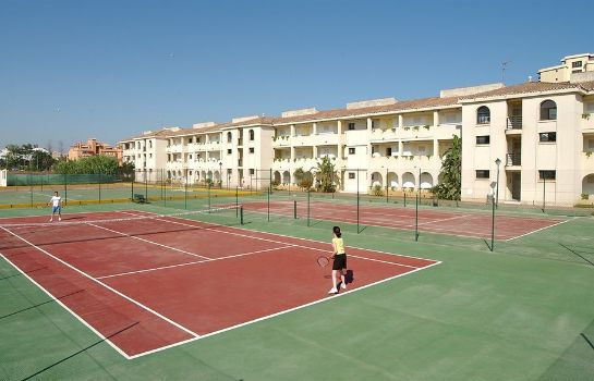 Tennis court Hotel Puente Real