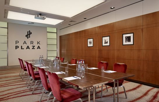 Meeting room Park Plaza Victoria London
