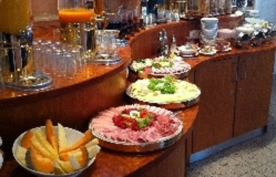 Breakfast buffet Kral Apartmenthotel