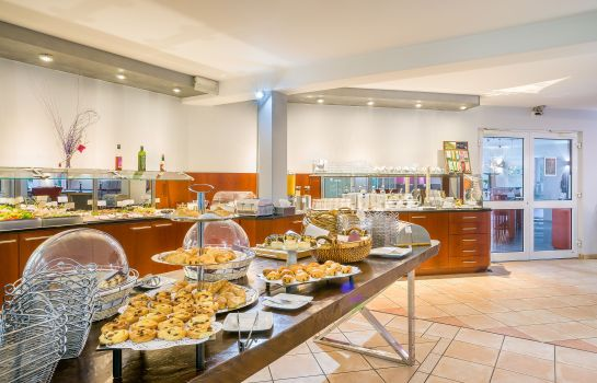 Breakfast buffet Select Hotel am Centro Oberhausen