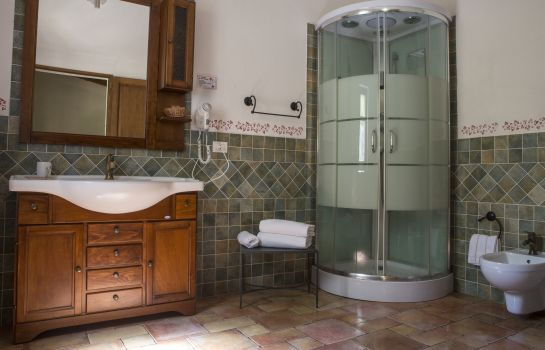 Bathroom Country Mandra Edera