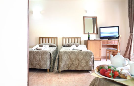 Double room (standard) Pausania Inn