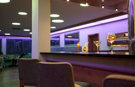 Hotel bar Golden Tulip Olymp Suites & Apartments