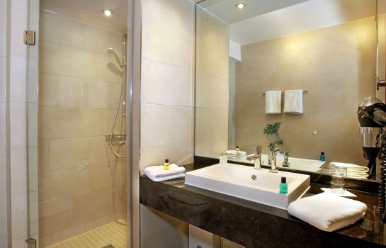 Bagno in camera Golden Tulip Olymp Suites & Apartments