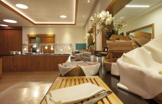 Restaurant Golden Tulip Olymp Suites & Apartments