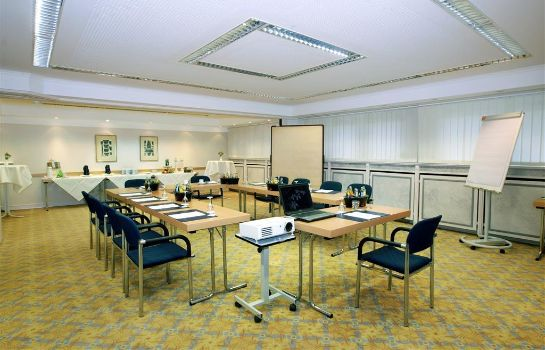 Conference room Golden Tulip Olymp Suites & Apartments