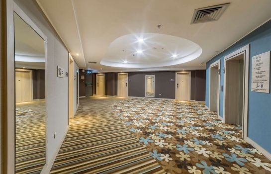Hall Hampton by Hilton Iasi