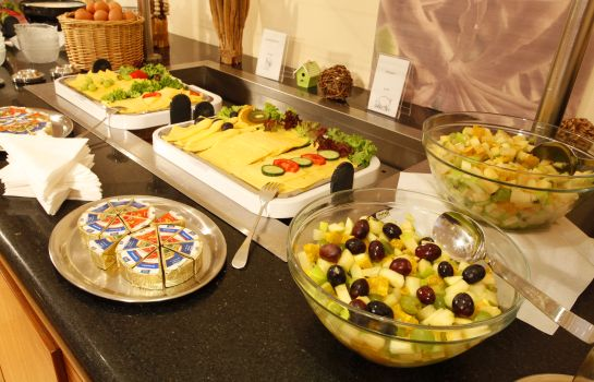 Breakfast Buffet Centro Hotel Celler Tor