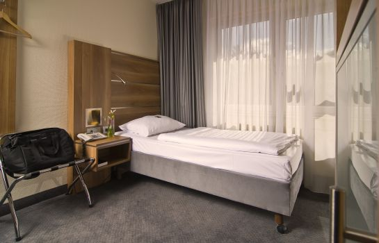 Single room (standard) GHOTEL hotel & living