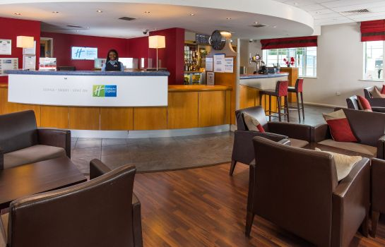 Vestíbulo del hotel Holiday Inn Express LONDON CHINGFORD-NTH CIRCULAR