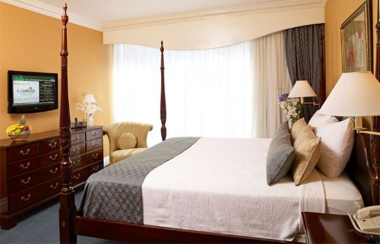 Suite COURTLEIGH HOTEL AND SUITES