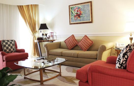 Suite The Courtleigh Hotel and Suites